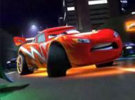 Dragon McQueen (Flash McQueen tuné et recouvert de motifs en forme de dragon)
