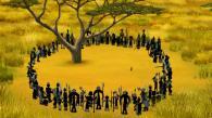 Kirikou grimpe dans un arbre pour échapper aux fétiches (Kirikou et les bêtes sauvages)