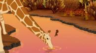 Lorsque la girafe baisse la tête, Kirikou en profite pour se jeter à l'eau et nager sur l'autre rive (Kirikou et les bêtes sauvages)
