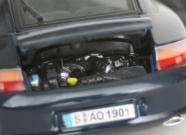 De nombreuses pièces du moteur ont été peintes