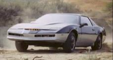 KARR est la copie conforme de KITT seule la programmation de l'I.A. change (K2000 - Knight Rider)