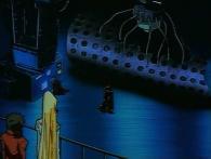 Toshirô analyse les débris récupéré du vaisseau ennemi