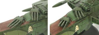 Les tourelles standards peuvent être remplacées par un seconde paire de tourelles qui a les canons levés
