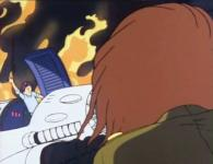 Avant que le bâtiment ne s'effondre, Albator est sauvé par un membre de l'Atlantis arrivé par les sous-sols via une foreuse.