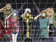 Warius et son équipage salut respectueusement Albator, Toshirô et Emeraldas