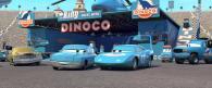 Tex, King et sa femme dans le stand de Dinoco (Cars - Pixar)