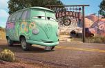 Fillmore devant sa maison de jour (Cars - Pixar)