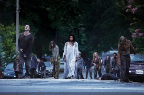 Les zombies, très bien joués, maquillés, habillés