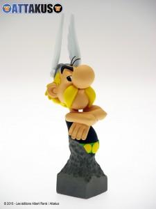 Buste Petibonvm d'Astérix réalisé par Attakus (15 cm de haut), diffusé à 3 500 exemplaires