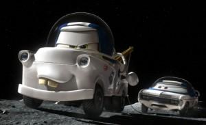 Martin remorque l'autonaute bloqué (Pixar - Cars)