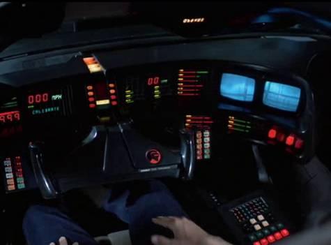 Michael découvre les gadgets de K.I.T.T.