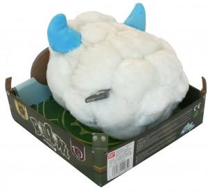 La boufballe en peluche dans son emballage (Wakfu)
