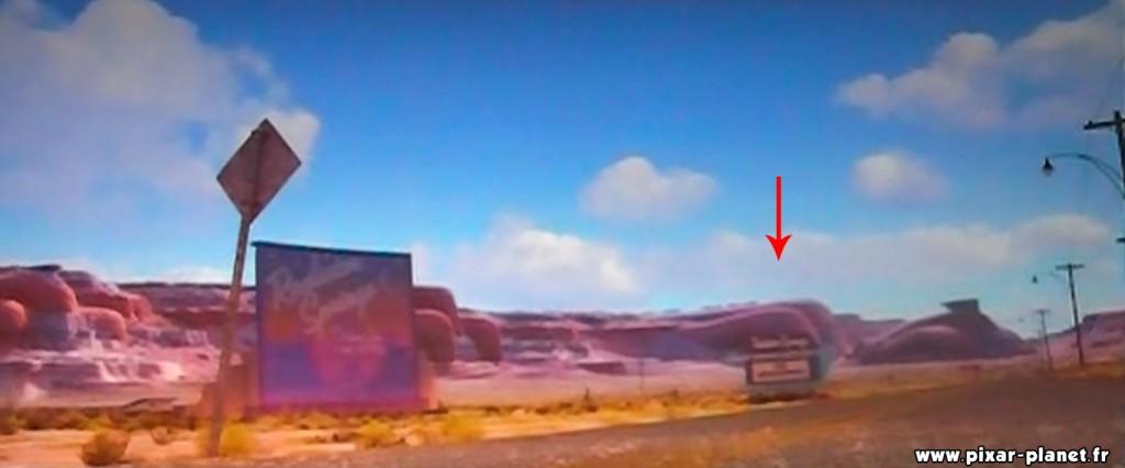 """sur le panneau on peut lire que le film diffusé est """"The Incredimobiles"""" en référence au film The incredibles"""