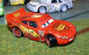 Flash a été démonté pour lui greffer un essieux et changer la direction des roues (Sam Bricole)