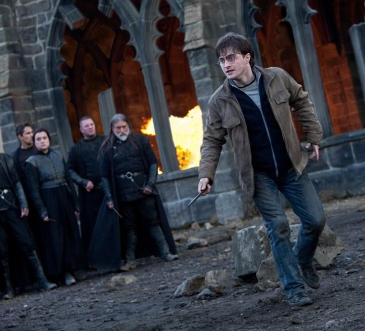 Harry Potter dans un Poudlard dévasté