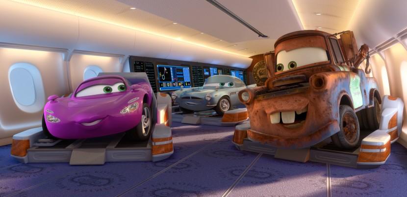 Holley Shiftwell est un peu gêné par les avances de Martin (Pixar -Cars)