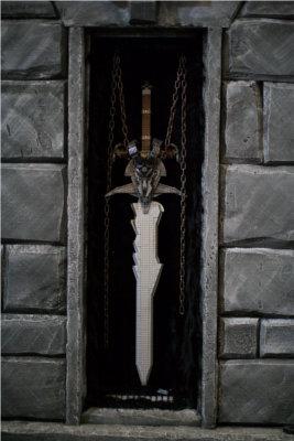 Réplique de Deuillegivre (arme d'Arthas) en mega bloks, elle a été réalisée pour la Blizzcon 2011