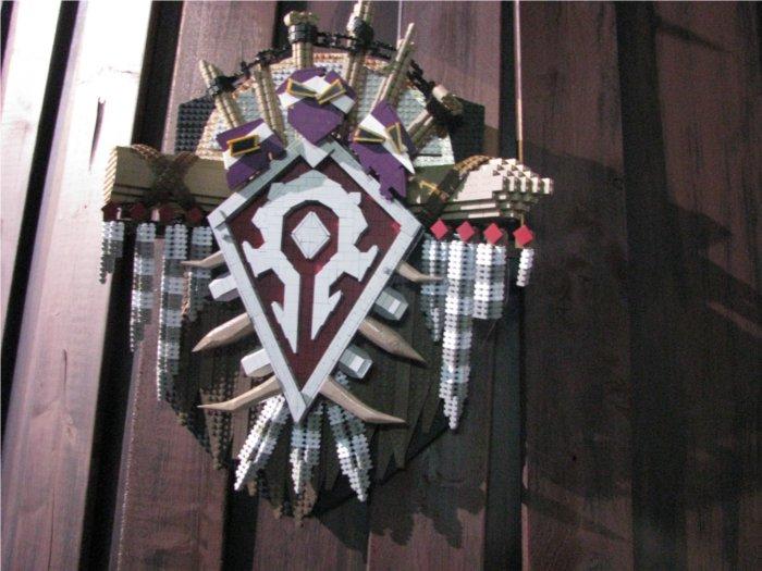 Logo de la Horde de Warcraft réalisé en mega bloks pour la Blizzcon 2011