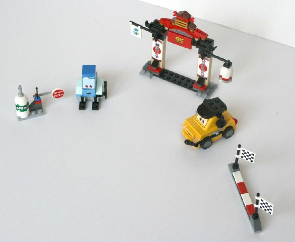 Lego_8206_flash_luigi_guido_Cars_04