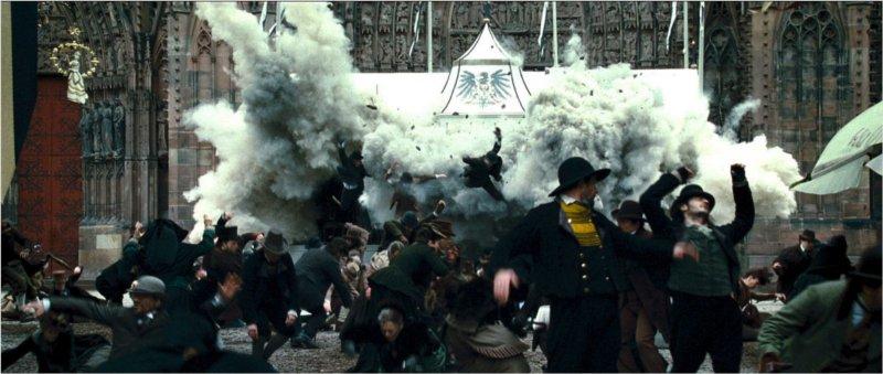 Un attentat dans le film Sherlock Holmes : jeu d'ombres