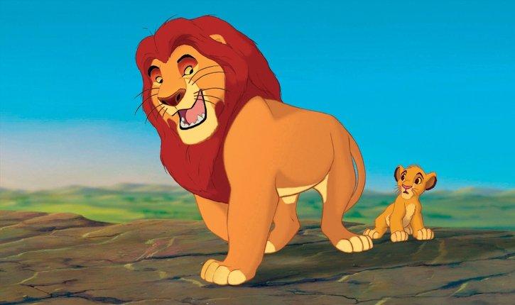 Simba passe du temps avec son père Mufasa (le roi Lion