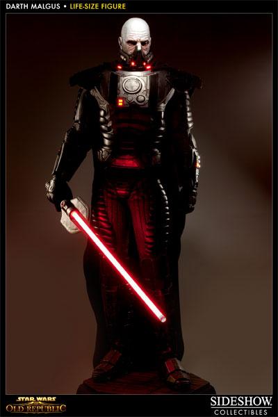Statue Dark Malgus de Star Wars : The Old Republic - En pied avec le visage nu sans la capuche