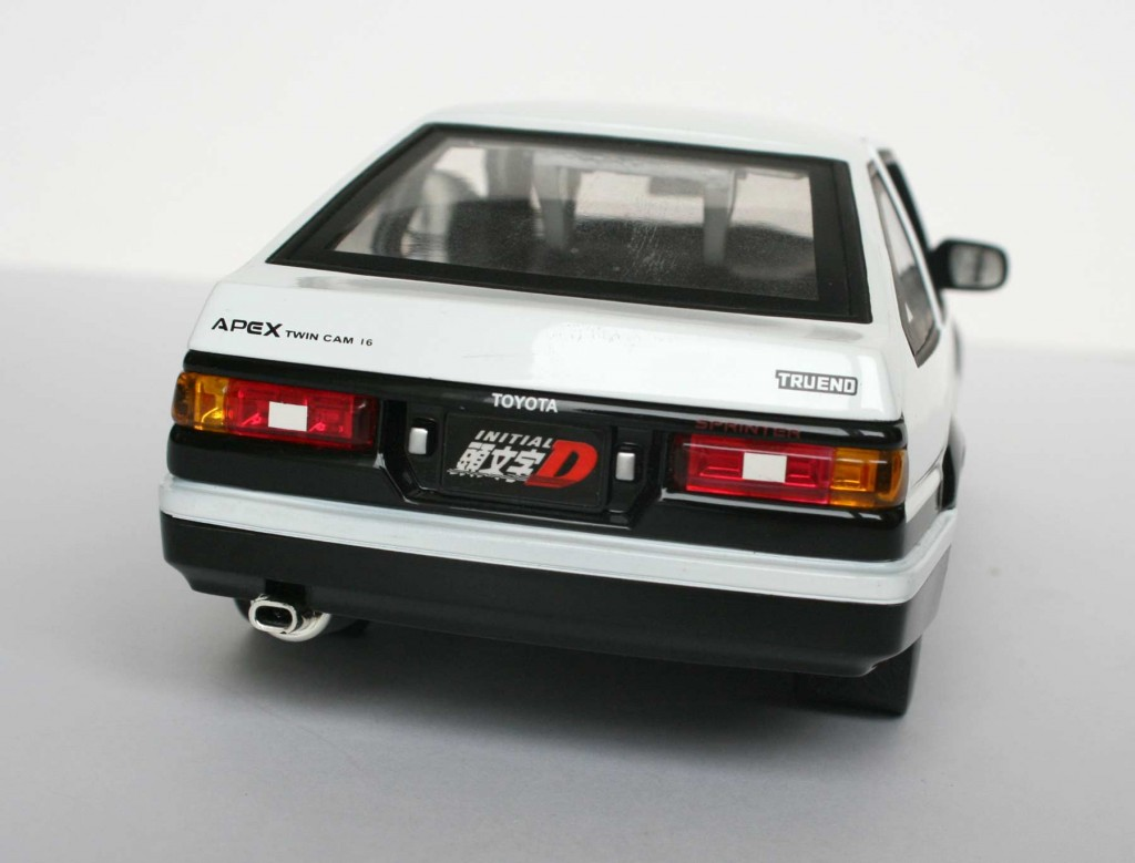 Initial_D_Toyota_Trueno_AE_86_Jada_Toys_Die_cast_18