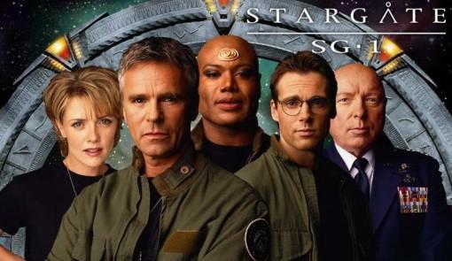 Stargate SG 1 : equipe devant le portail