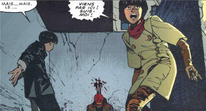 Dans sa poursuite, Kaneda tombe sur des militaires qui semblent vouloir le tuer