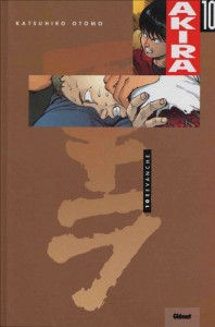 Couverture du tome 10 d'Akira version couleur