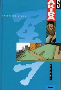 Couverture du tome 5 d'Akira (version couleur)