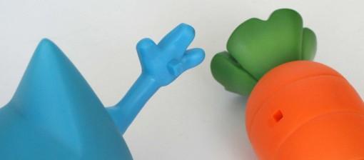 on emboîte la carotte dans la main
