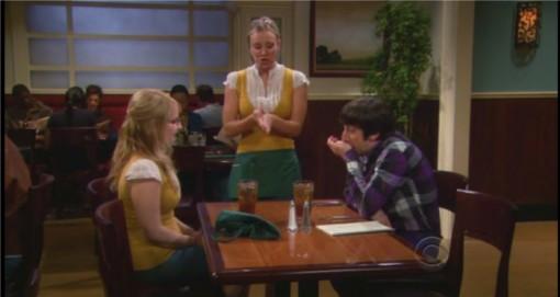 Capture d'une discussion entre Bernadette et Howard dans The big Bang Theory suite à leur rupture à cause d'un troll