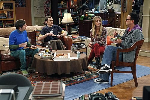 Le canapé dans Big Bang Theory  avec Sheldon, Penny et Leonard