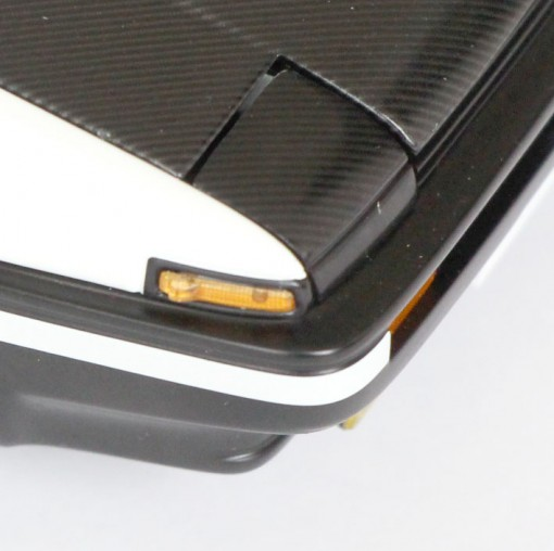 clignotants et capot de la AE86 d'INITAL D