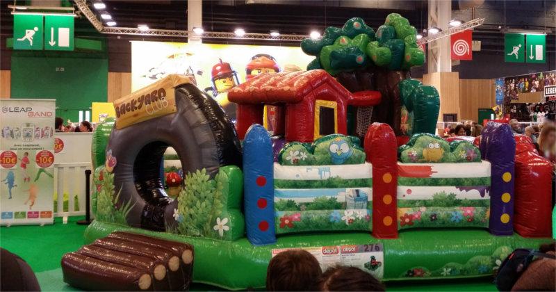 Maison gonflable sur le salon Kid Expo 2015