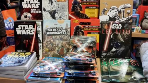 Livres société Star Wars au stand Cultura sur le salon Kid Expo 2015
