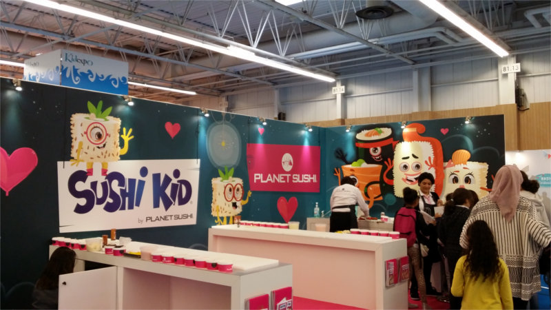 Initiation au sushi par planète sushi sur le salon Kid Expo 2015