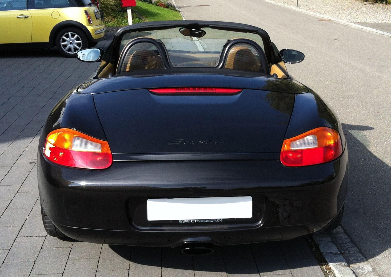 Boxster 986 de 2,5L de 1997 noir arrière