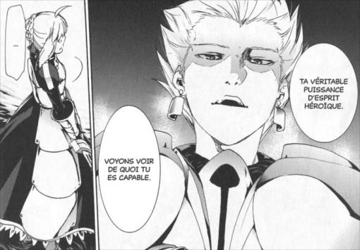 Archer regarde Saber déployer sa puissance pour tuer Caster qui a muté en monstre