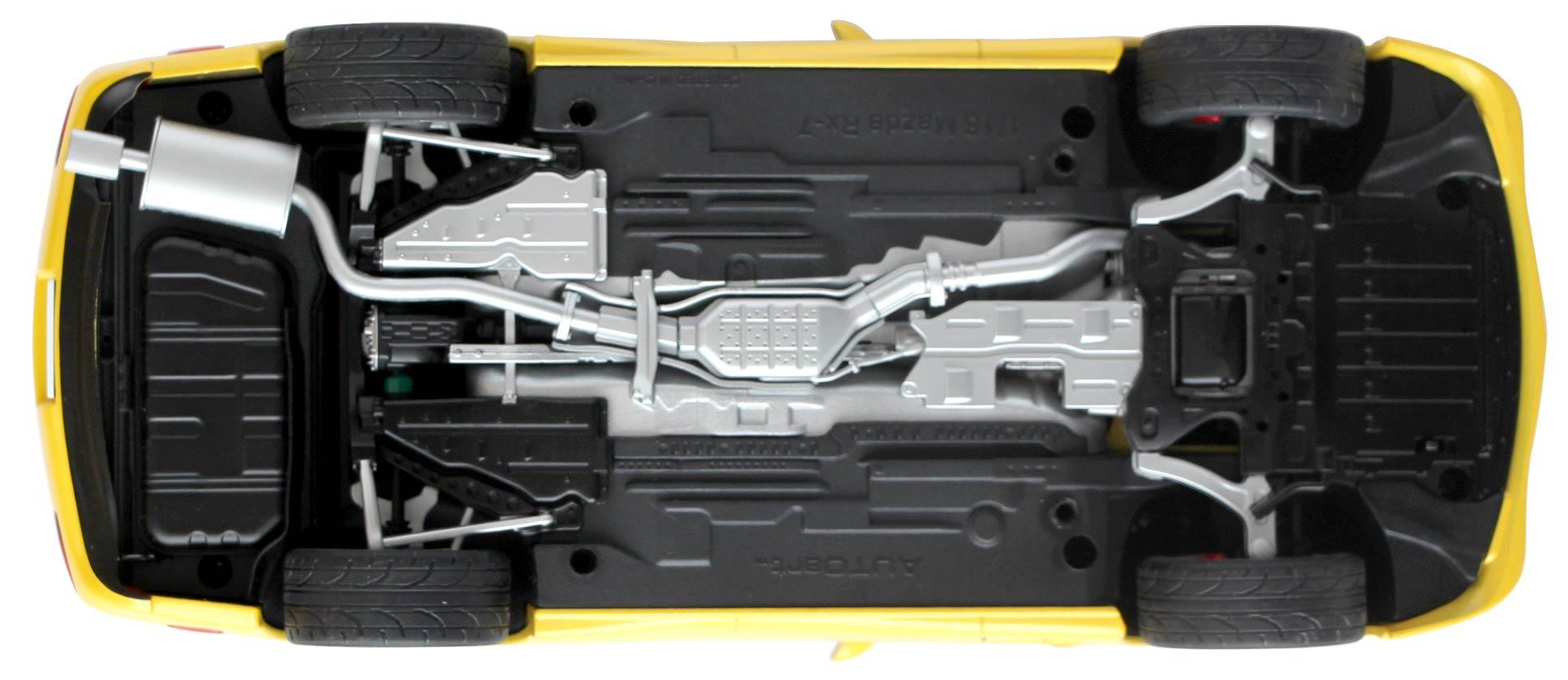 Vue de dessous de la Mazda RX 7 Initial D AUTOart ech 1/18