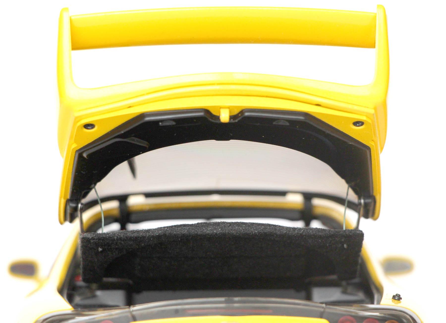 Garniture du haillon de la Mazda RX 7 AUTOart ech 1/18 - Initial D