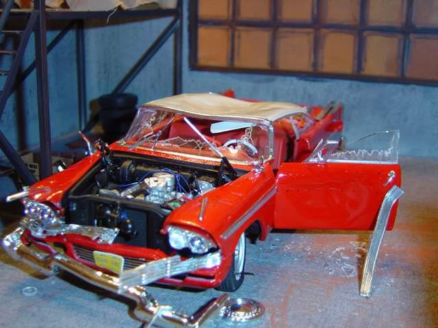 Christine Plymouth Fury 1/18 diorama atelier de Darnel