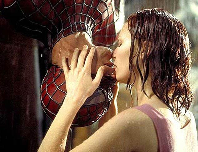 spider-man embrasse mary jane