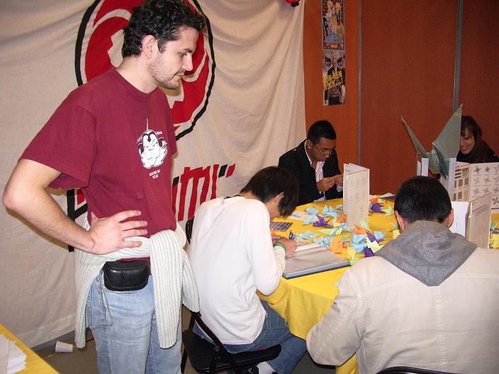 Photo du responsable du Stand origami de Tengumi