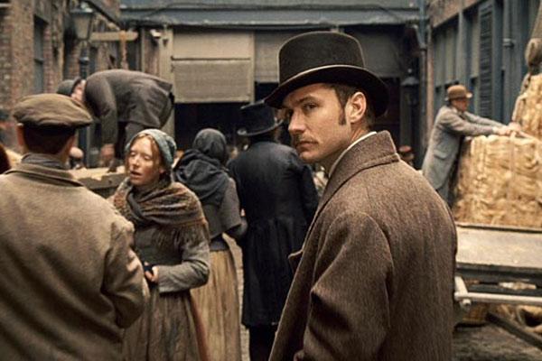 Jude Law dans Sherlowk Holmes