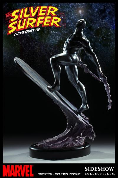 Figurine du Surfer d'Argent