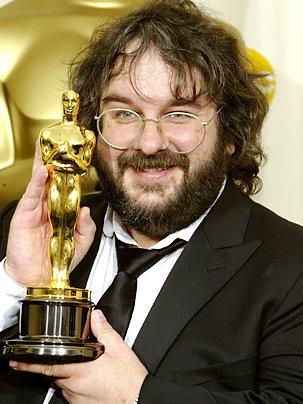 Peter Jackson avec un Oscar (DR)