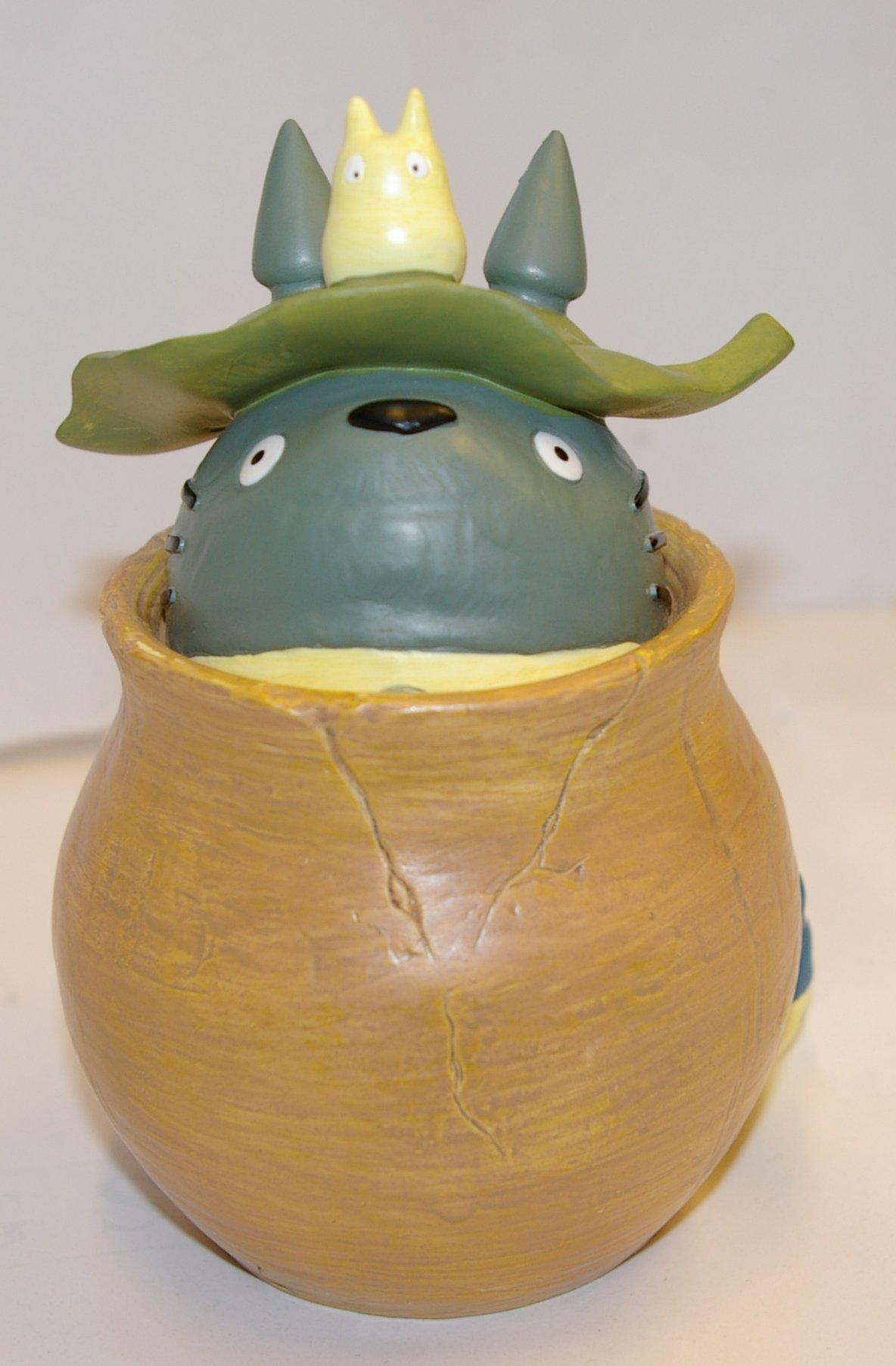 Face du pot Totoro