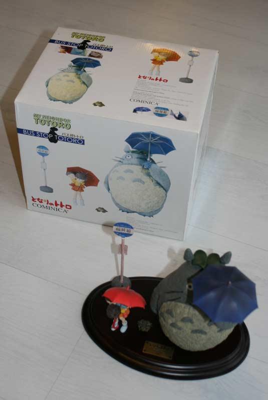 Bus Stop Totoro (boite et figurine)